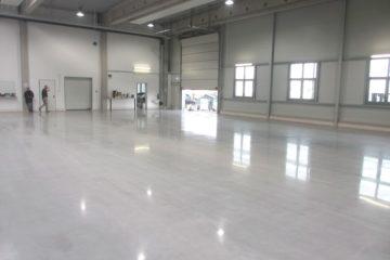 Обеспыливание и упрочнение бетонного пола Concria